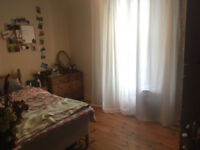 2 bedroom top floor flat London St £850pcm