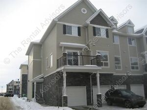 Gorgeous 2 Bedroom Townhouse Style Duplex in South Terwillegar