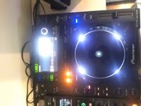 2 x PIONEER CDJ 2000 WITH SWAN FLIGHT CASES. PERFECT CONIDITON
