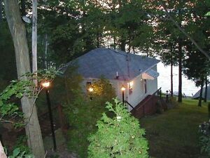 **GREAT STARTER COTTAGE---- GREAT PRICE** Brad Sinclair Re/Max