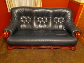 3+1+1 Sofa in great condition. Green leather