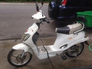 scooters  a vendre