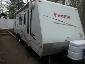 Firefly 25' Ultralight Travel Trailer