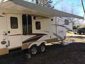Fifth wheel laredo special edition 30 pieds (2008)