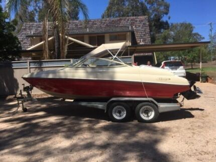 2001 Custom Built Mirage bow rider only 128hrs