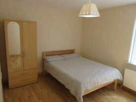 Large One Bed Apartment ~ Close To City Centre ~ University Street Belfast ~ Phone 2 View 2 Day ~