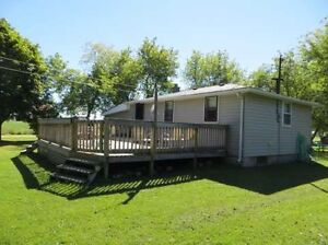 Lovely 2 Bedroom Cottage Rental in Bluewater Grand Bend