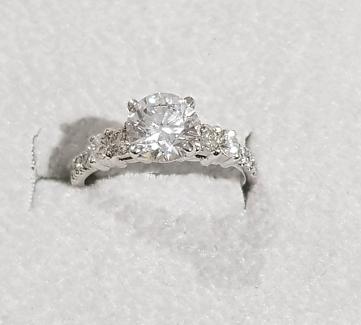 1.92 CARAT ROUND BRILLIANT DIAMOND RING GIA CERTIFIED ENGAGEMENT