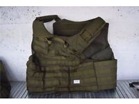 brand new BLACK HAWK ARMOURED TACTICAL VEST IN GREEN SIZE XL RRP £170