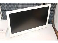 """22"""" WHITE led tv DVD PLAYER FREEVIEW USB BUILTIN CAN DELIVER BARGAIN"""