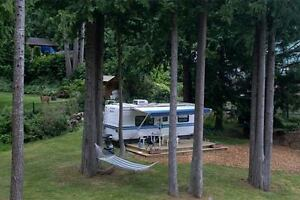 """Camp in style"" Luxury Holiday Trailer/beautiful Pender Harbour"