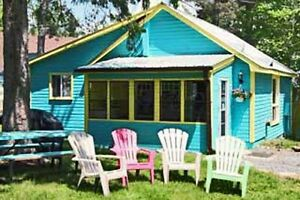 DELUXE BLUE COTTAGE!!!DON'T MISS OUT