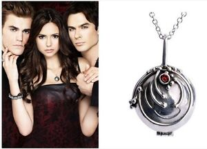 THE VAMPIRE DIARIES ELENA'S VERVAIN LOCKET TWILIGHT NECKLACE UK