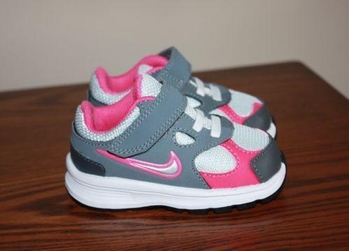 Athletic Shoes Booties Boots Crib Shoes Flats Loafers Moccasins Oxfords Sandals Slip-Ons Slippers Sneakers Show Size Baby 0 Baby Baby 1 Baby Baby 2 Baby Baby 3 Baby Baby 4 Walker Walker 5 Walker Walker 6.
