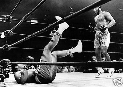 Muhammad Ali Floored by Joe Frazier 1971 10x8 Photo