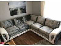 New Scs Corner sofa with Free POUFFE