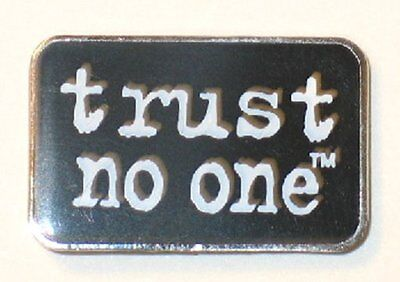 "The X-Files TV Series ""trust no one"" Phrase Logo Metal Enamel Pin, NEW UNUSED"