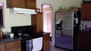 2 bedroom bungalo available Mar 15th