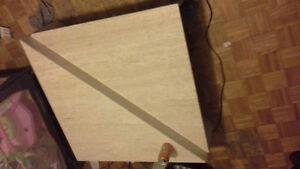 Table triangle meubles dans grand montr al petites for Brick meuble laval