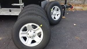 BRAND NEW JEEP RIMS & TIRES 5 STOCK 225/75/16 WRANGLER GOODYEAR