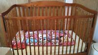 Hard wood highendBaby crib, can be configure to toddler bed!