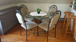 Glasstop Dining Table with 4 Chairs