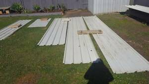20 X CHEAP ASSORTED TRIMDEK & CORRUGATED ROOFING IRON/TIN Birkdale Redland Area Preview