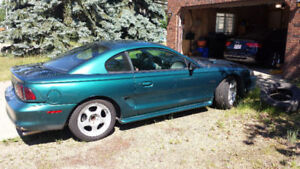 1996 Ford Mustang GT Coupe (2 door) / V8 PI / PRICE REDUCED