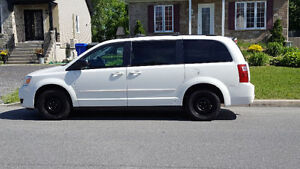 DODGE GRAND CARAVAN 2010 STOW AND GO.-.-