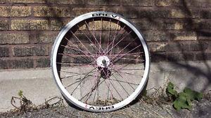 Roue avant de marque Brev pour vélo fixie single speed. 700c