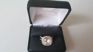 BEAUTIFUL WOMAN SWAROVSKI RING London Ontario image 1