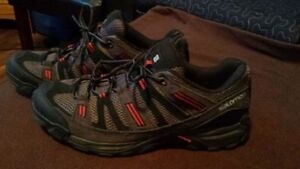 Salomon, chaussures neuf ,     Ortholite souliers a vendre