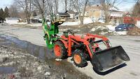 Tracteur Kubota B6000 charger loader pépine backhoe excavatrice