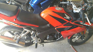Like new honda cbr 125 ( 1,220 km only)