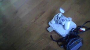 Ps1 with 1joystick and 3games   in fantastic shape!