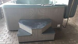 Beachcomber 4-6 Person Hot Tub