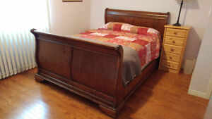 Beautiful Solid Wood Queen Size Sleigh Bed - NEW PRICE!