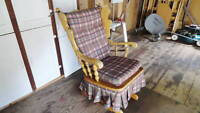 SOLID WOODEN ROCKING CHAIR