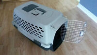 Pet crate / carrier