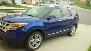 2014 Blue Ford Explorer XLT-Priced to Sell
