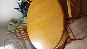 Dining Room Table and 4 Chairs. PRICE IS NEGOTIABLE
