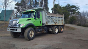 Reduced 2004 International Dump Truck