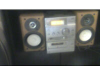 Sony stereo/ cd/ radio plus speakers