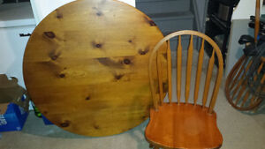 Pedistal Table and 4 chairs