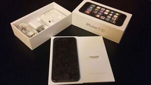Apple Iphone 5S 16GB Silver/Space Grey Unlocked Mint Condition
