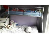 Triple bunk bed with double mattress