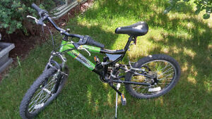"Diamondback Hawk 20"" Boys bike"