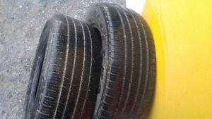 4 pneus 4 saisons de 16 pouces et 4 pneus et rims de 14 pouces