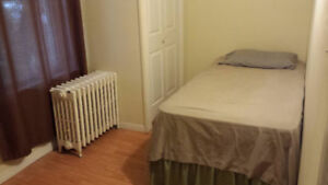 Room for rent @ $ 475/mth