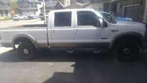 2005 Ford F-250 King Ranch Pickup Truck